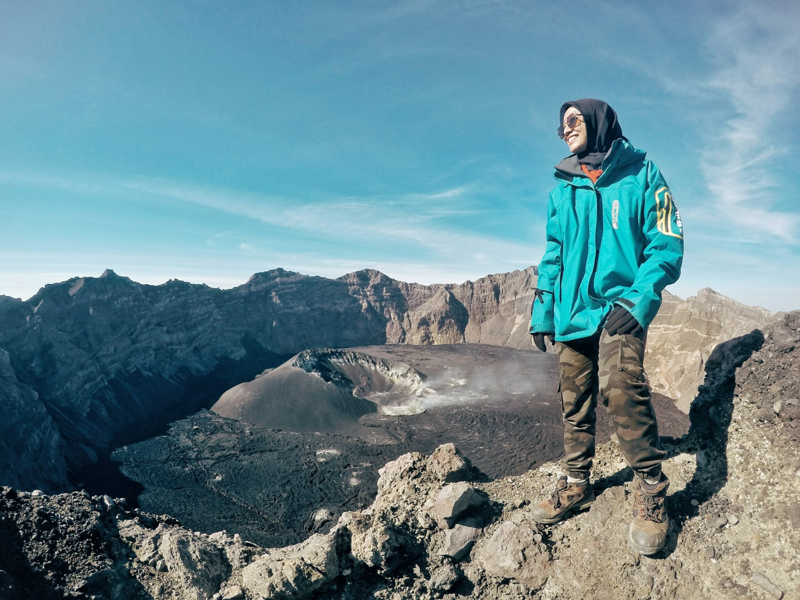 Gambar Pesona Gunung Rinjani: Jalur Resmi, Syarat dan Tips Mendaki Aman 10